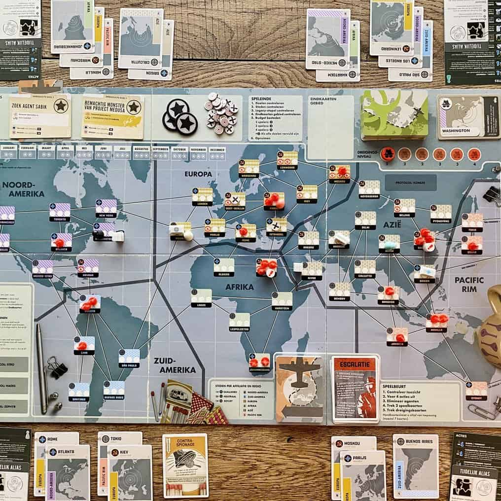 Pandemic Legacy Seizoen 0 - Asmodee Z-man Games